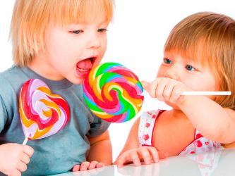 Что собой должен представлять сладкий подарок для ребёнка?